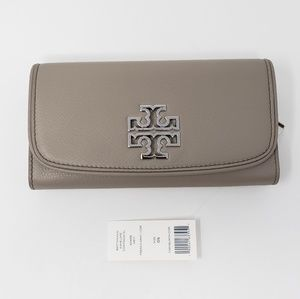 Brand New with Tag Tory Burch Leather BifoldWallet
